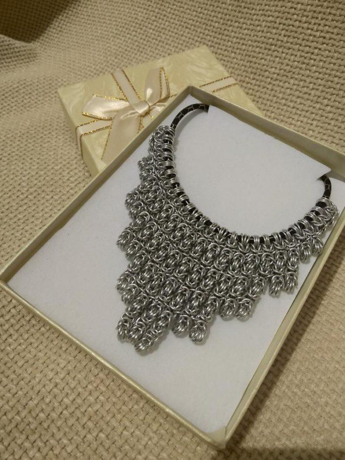 Ogrlica od nehrđajućeg čelika by Nakit Fibula u poklon kutiji